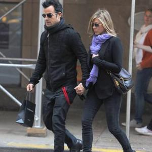 Jennifer Aniston Tours Europe With Justin Theroux