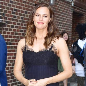 Jennifer Garner loves camping in the backyard
