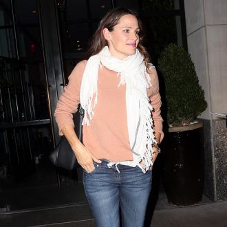 Jennifer Garner prefers jeans to dresses