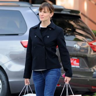 Jennifer Garner Visits Sick Boy