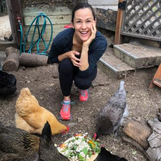 Jennifer Garner reveals pet chicken rivalry