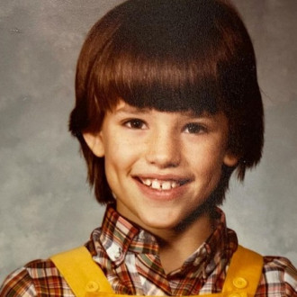 Jennifer Garner pokes fun at her childhood haircut