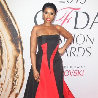 Jennifer Hudson's loves heart shaped accessories