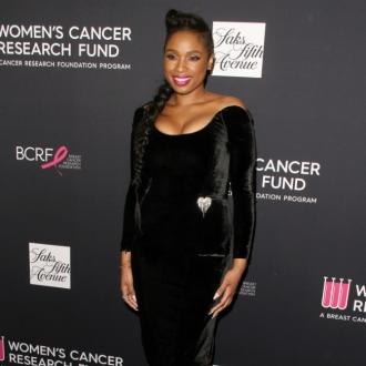 Jennifer Hudson keeps 'dirty hands' off her Oscar