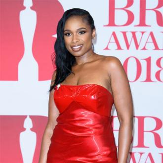 Jennifer Hudson keeps Oscar away from bathroom germs