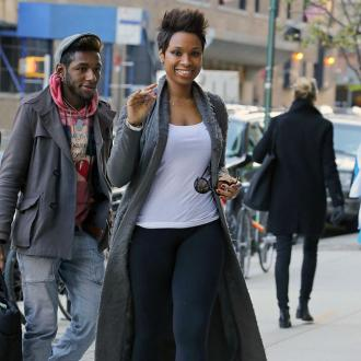 Jennifer Hudson Pushes Wedding Date Back