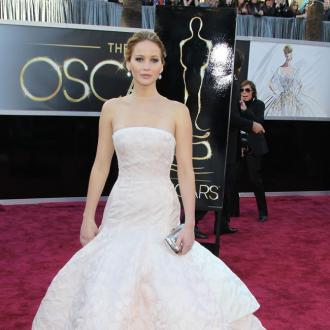 Jennifer Lawrence: Cake Made Me Trip