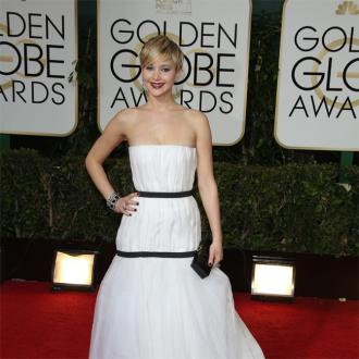 Jennifer Lawrence's Golden Globes Dress Inspires Internet Meme