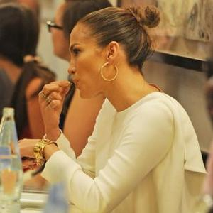 Jennifer Lopez Loves T-shirts