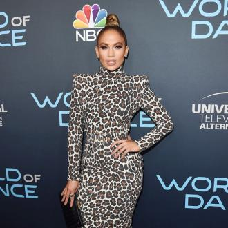 Jennifer Lopez praises women on 'El Anillo'