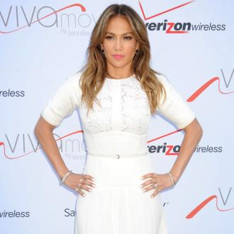 Jennifer Lopez Announces Jlove Perfume