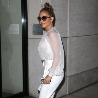 Jennifer Lopez Lets Casper Smart Keep Gifts