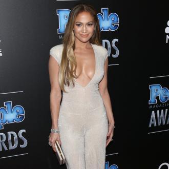 Jennifer Lopez 'Open' To Meeting Man In A Bar