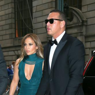 Alex Rodriguez's Daughters Help Jennifer Lopez Backstage