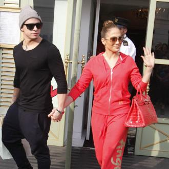 Jennifer Lopez Impressed By Casper's Friendliness