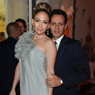 Jennifer Lopez and Marc Anthony sing for Puerto Rico