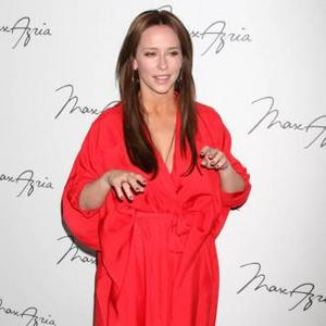 Jennifer Love Hewitt's Pole Dancing Hobby