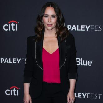 Jennifer Love Hewitt is missing 9-1-1 castmates on lockdown