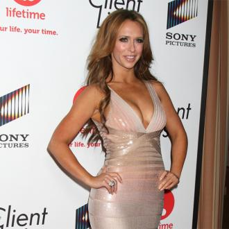 Jennifer Love Hewitt To Name Baby After Mother