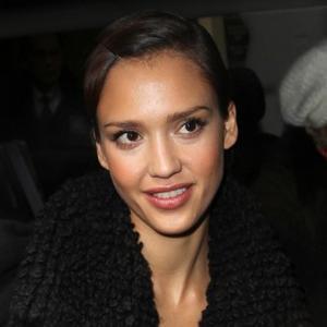 Make-up Model Jessica Alba