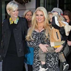 Jessica And Ashlee Simpson Inspired By Mother
