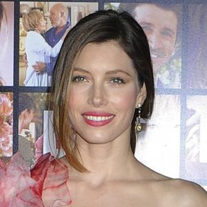 Jessica Biel Keeps It Simple