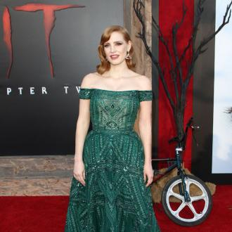 Jessica Chastain's make-up artist walks through her Hollywood glam make-up