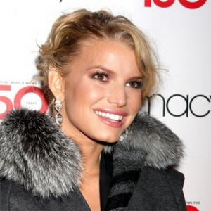 Jessica Simpson Gets In Shape