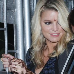 Jessica Simpson's Kisses Over Dinner