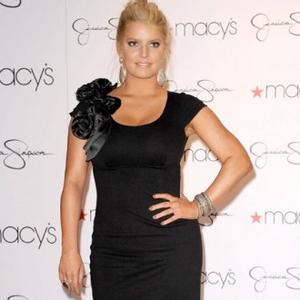 Jessica Simpson Honoured To Perform For Troops