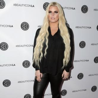 Jessica Simpson walks off anxiety