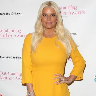 Jessica Simpson back home after being hospitalised for bronchitis