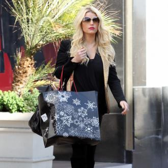 Jessica Simpson Gives In To Cravings