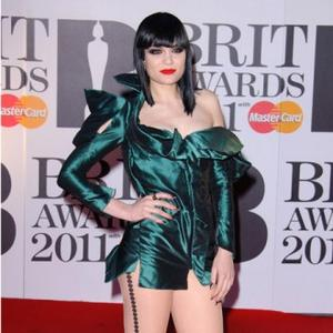 Jessie J Panicked By Pigeon