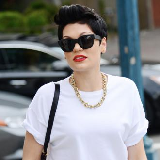 Jessie J Shops For A Bargain Buy