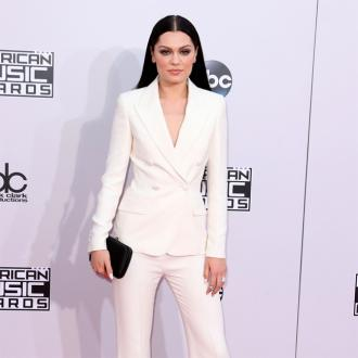 Jessie J Explains Ama Performance