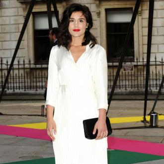 Jessie Ware gets make-up tips from her mother