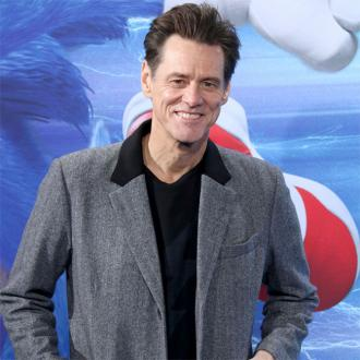 Jim Carrey takes aim at 'con artist' President Trump
