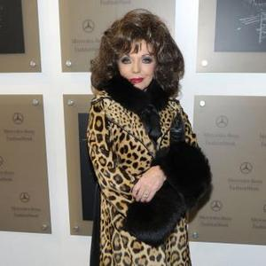 Joan Collins Gets Beauty Advice From Kim