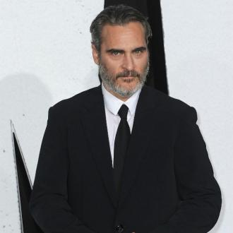 Joaquin Phoenix's dog allergic to sunlight