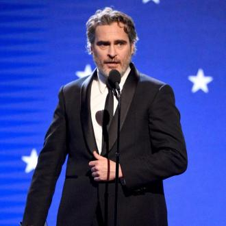 Joaquin Phoenix thanks mom in Critics' Choice Awards speech for Best Actor