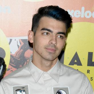 Joe Jonas' date once fell asleep
