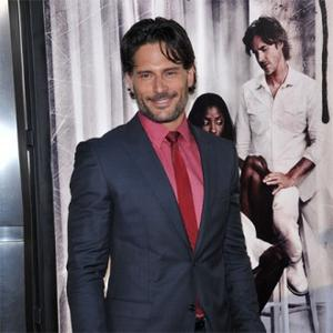 Joe Manganiello Gets Naked With Wolf For True Blood