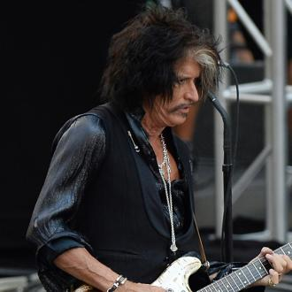 Joe Perry postpones 2018 solo tour