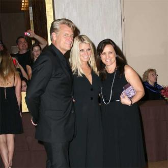 Joe Simpson offers to officiate Tina Simpson's wedding