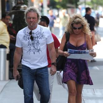 Aerosmith resume tour after Joey Kramer illness