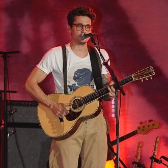 John Mayer supports Taylor Swift
