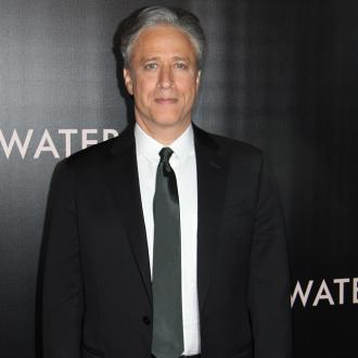 Jon Stewart Wants To Keep Wearing Make-up 'Every Day'