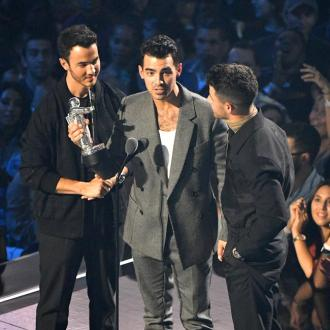 Jonas Brothers Make Triumphant Return To Mtv Vmas After 11 Years