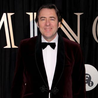 Jonathan Ross defends J.K. Rowling against transphobia allegations